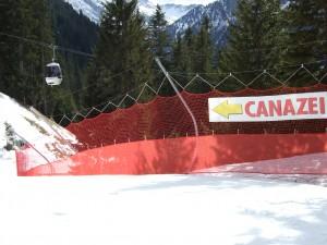 10578274-slalom-slope