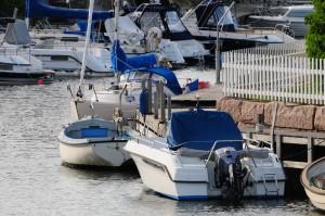 9864226-boats
